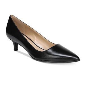 Naturalizer Pippa Black Leather pointy toe heels 9